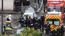 Attaque au couteau à Paris : le procureur détaille l'identité de l'assaillant présumé