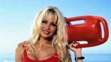 """Pamela Anderson über ihren """"Baywatch""""-Badeanzug: """"Er passt noch"""""""
