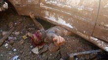 IMAGEN DEL DÍA: Documentando un rescate tras la tragedia en Beirut