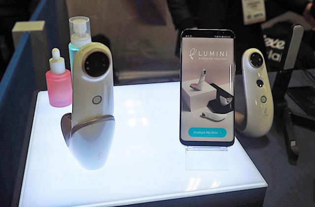 Lululab's skincare assistant peers deep into your pores