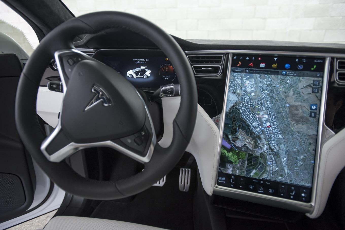Musk Says a Million Self-Driving Teslas Will Be on the Road Next Year