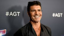 Simon Cowell hasn't used his mobile phone in 3 years