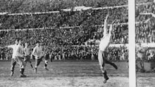1930 FIFA World Cup™ - News - Uruguay conquer in battle of the balls