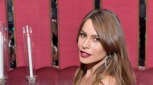 Sofía Vergara enseña mucha piel en vestido de agujeros; mírala