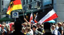 Miles de personas protestan en Berlín contra las restricciones por el coronavirus