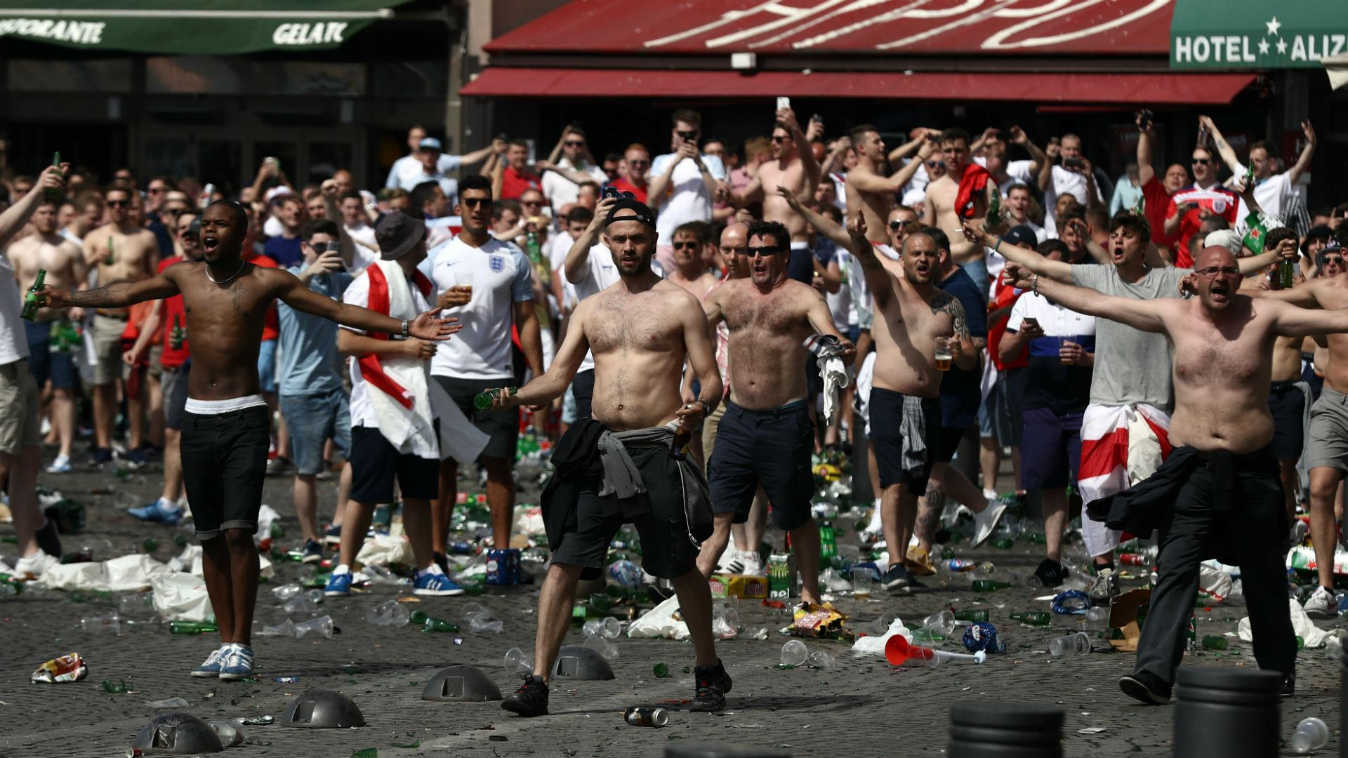 violence among football fans essay Essays related to violence in soccer 1 hostility leading to fan violence will never overthrow football american sport fans thrive on violence.