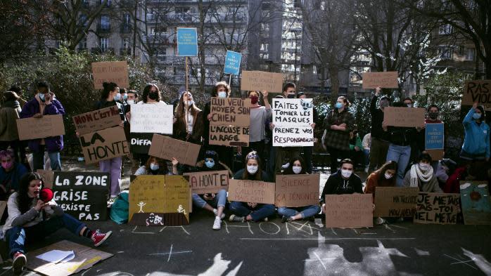 #MeToo au théâtre : sit-in devant le Cours Florent pour dénoncer des abus
