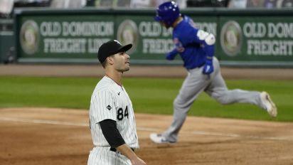 Cubs' Contreras drilled after obnoxious bat flip