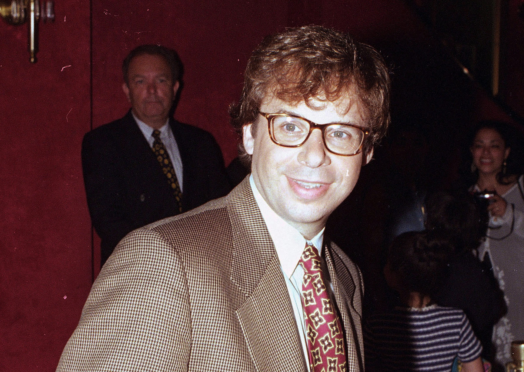 Rick Moranis of 'Honey, I Shrunk the Kids' punched in head in 'random' attack