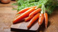 Carrots: Nutritional Health Benefits, Risks & Recipes