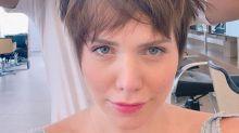 Leticia Colin muda o visual mais uma vez: 'Viciada em cabelo curtinho'