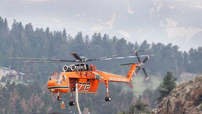 More crews arrive at large Colorado wildfire