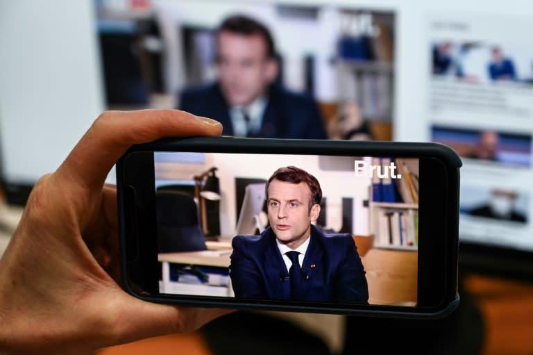 """Macron admet des """"violences policières"""" mais dénonce """"un slogan"""""""