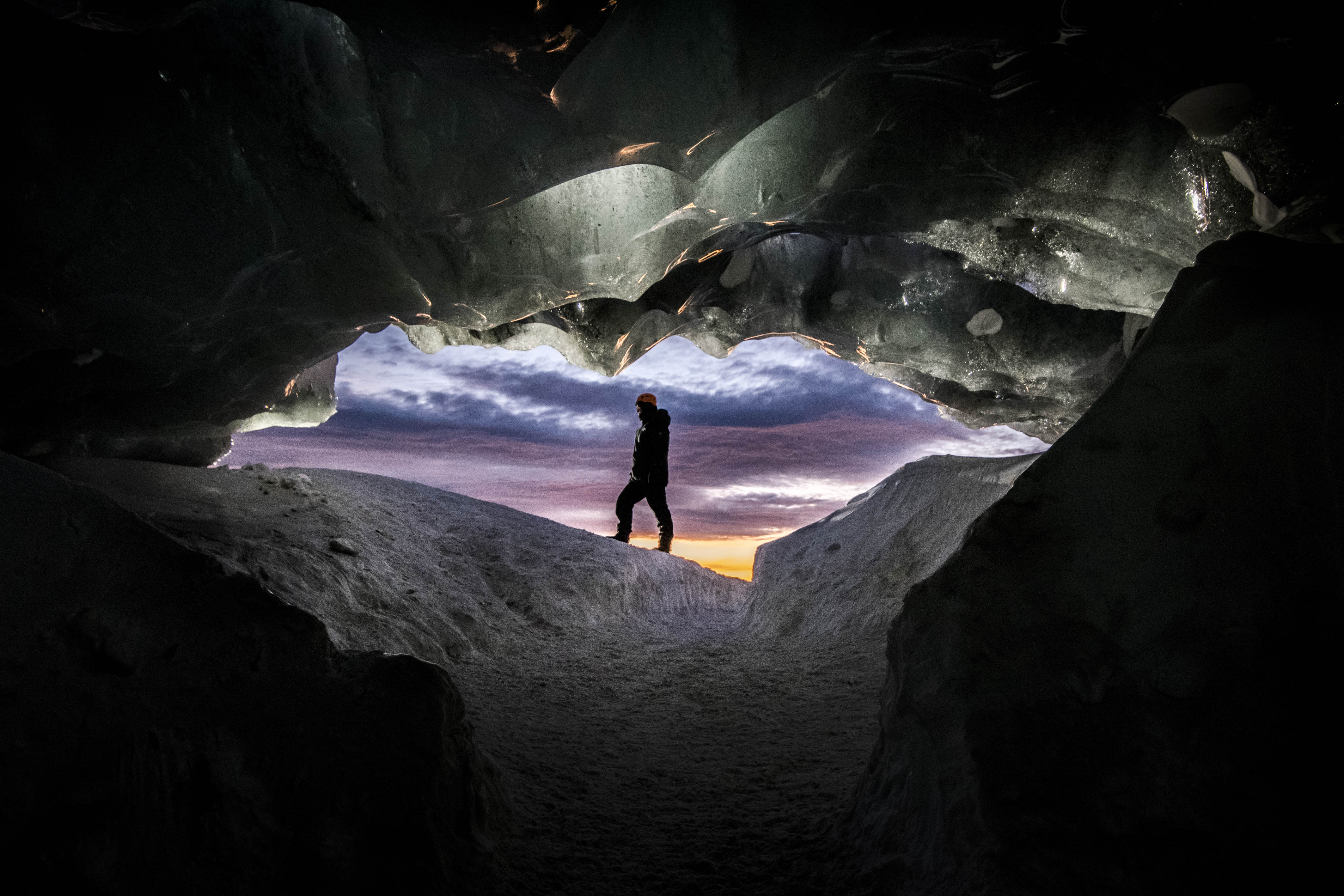 <p>The ice caves in the Vatnajokull National Park in Iceland, Nov. 29, 2017. (Photo: Matej Kriz/Caters News) </p>