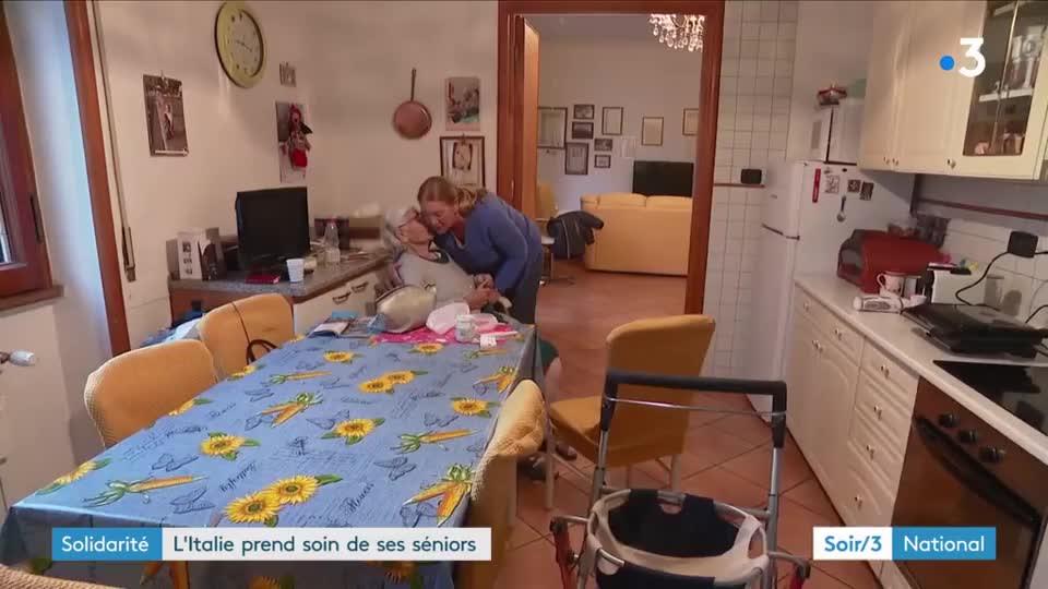 L italie prend soin de ses seniors vid o for Auxiliaire de vie en maison de retraite