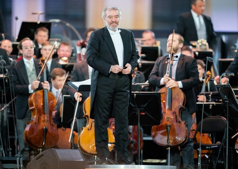 Russian opposition leader Alexei Navalny has called for an entry ban against Valery Gergiev, among other Putin supporters