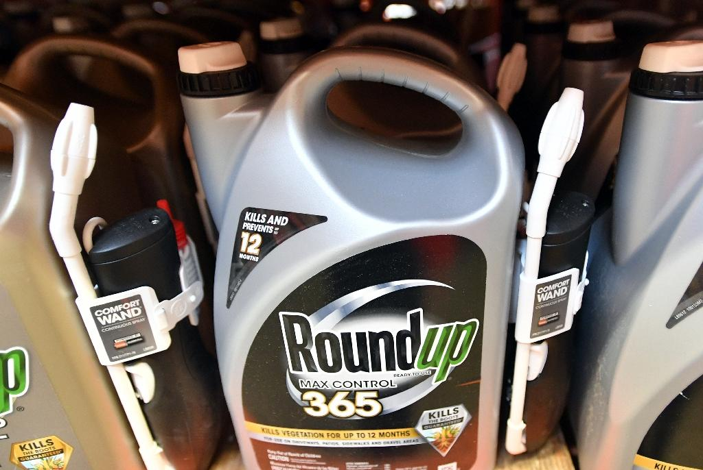 A US jury has found that the Roundup weedkiller of Bayer's recently-acquired Monsanto caused cancer in a man who sprayed it on his garden over decades