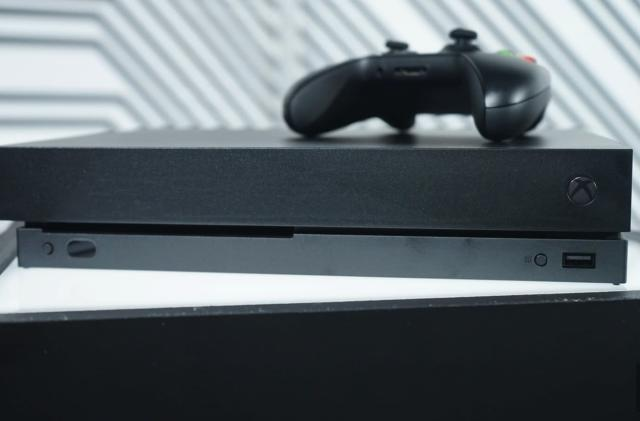 Microsoft expects consumers to 'figure out' which Xbox is which