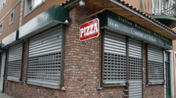 New York pizzeria owner, son guilty in U.S. drug case tied to Italian mafia