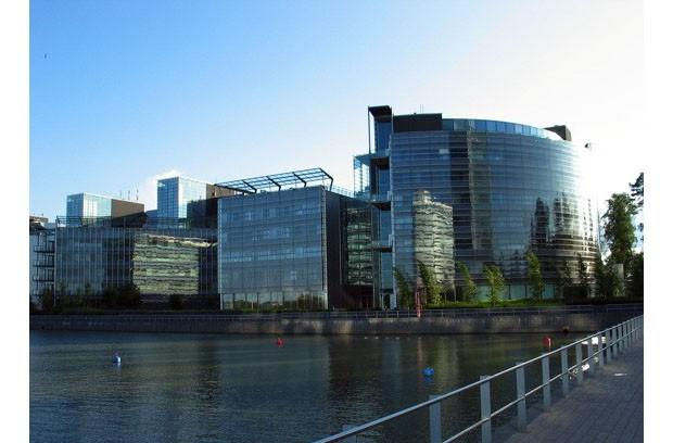 Nokia wants to sell off its headquarters in Espoo, Finland, move in as tenant