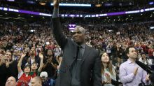 Charles Oakley is going to a Knicks game again, just not in New York