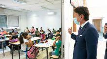 """Conte a sorpresa in una scuola di Tor Bella Monaca: """"Non può essere un luogo di dispute politiche"""""""