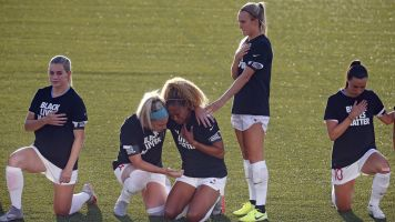 NWSL player explains why she didn't kneel in protest