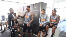 Jô comemora escolha de Coelho como treinador interino do Corinthians