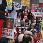 Striking L.A. Teachers & School District Head Back To Bargaining Table Tmrw