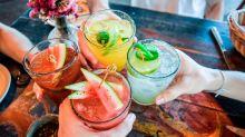 ¿Qué conviene comer antes de beber alcohol?