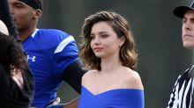 Miranda Kerr luce una sospechosa pancita; aumentan rumores de embarazo