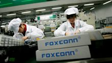 Trump's big Foxconn announcement will bring jobs — and robots