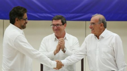 Colombia, FARC rebels reach deal to end half-century of bloodshed