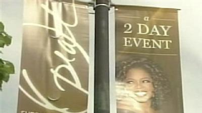 Huge Crowds Gather For Taping Of Oprah's Final Shows