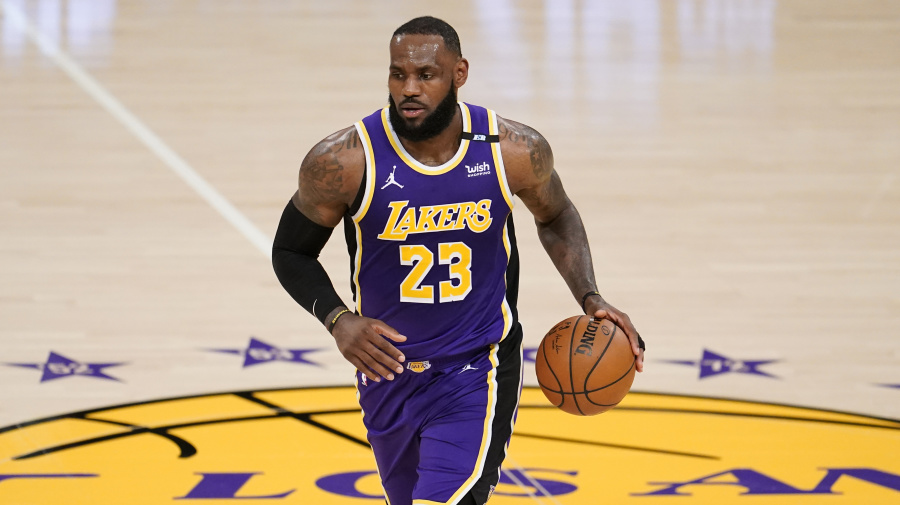 Lakers remain popular title pick despite low seed