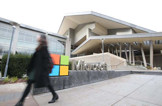 Microsoft delays full reopening of its offices to at least September