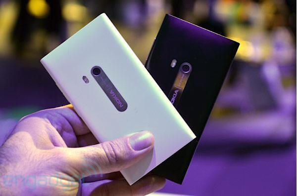That rarest of creatures, the white Nokia N9, should appear before Christmas