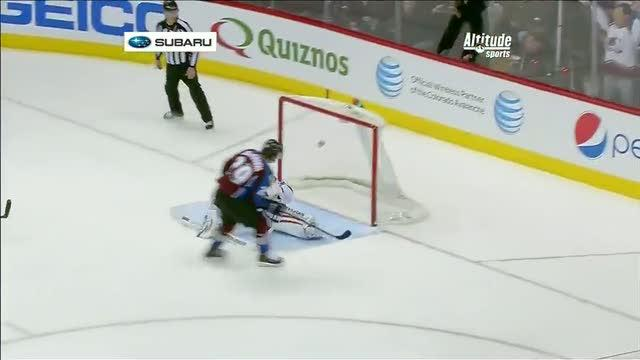 MacKinnon burns Backstrom with quick hands