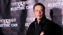 Elon Musk hat eine fragwürdige Erklärung, warum es bei Tesla keine Gewerkschaft gibt (A1CX3T)