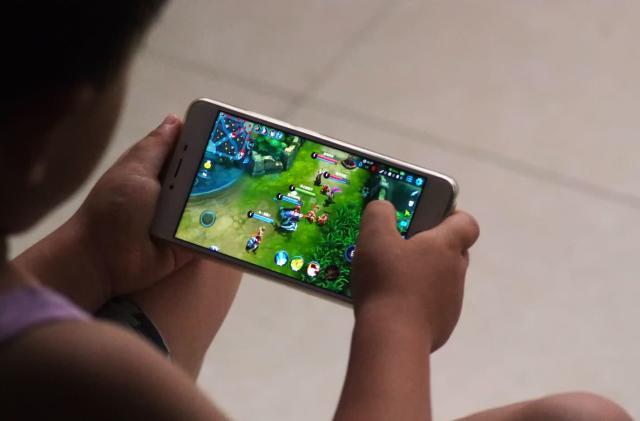 Tencent lets parents reward kids' good grades with game time