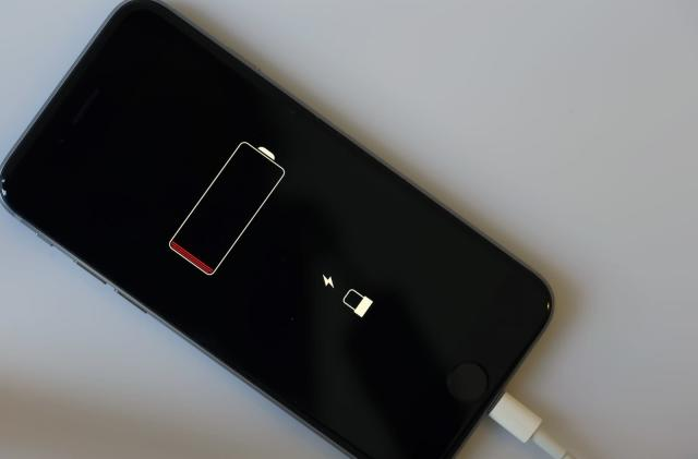 Apple may secure its own battery materials to avoid shortages
