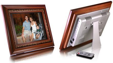 Aluratek's 10.5-inch ADMPF110 digiframe does HD movies, too