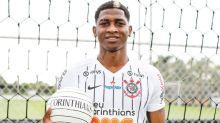 Saída de gringo abre, de cara, espaço para jogador que ainda sequer foi apresentado pelo Corinthians