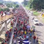 Eye Opener: Caravan of migrants marches towards U.S.