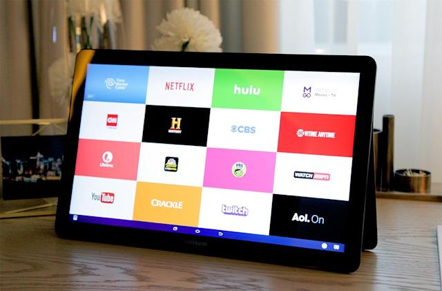 Hands-on with the Galaxy View: A huge $599 screen for streaming