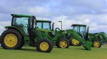 Deere Earnings Top Views, Sales Fall Short
