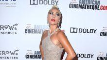 Lady Gaga pode usar Versace e atrizes devem apostar em cores fortes no Oscar, diz stylist