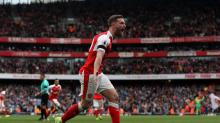Premier League Round-Up: Mustafi gives Wenger a stay of execution