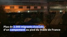 Environ 3.000 migrants évacués d'un important campement à Saint-Denis