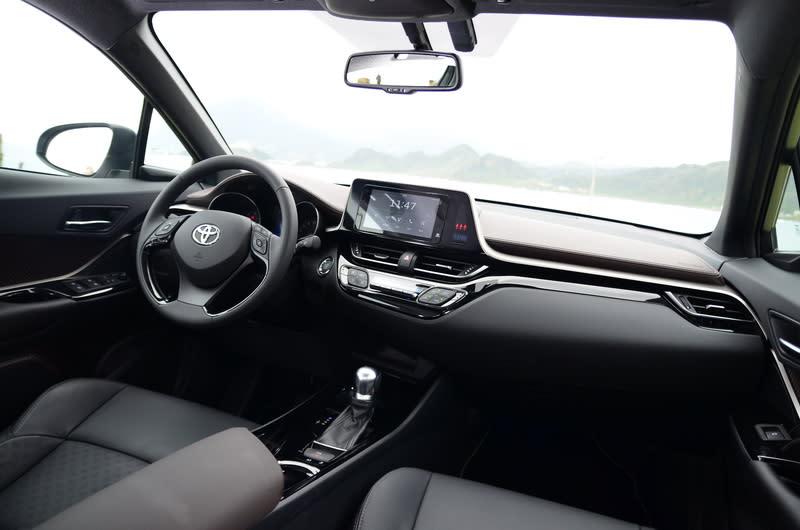 ▲駕駛者為導向的內裝配置,操作起來輕鬆寫意